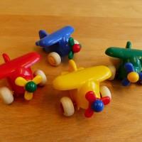 Spielzeugflugzeuge