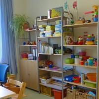 Spielzeug und Bücher